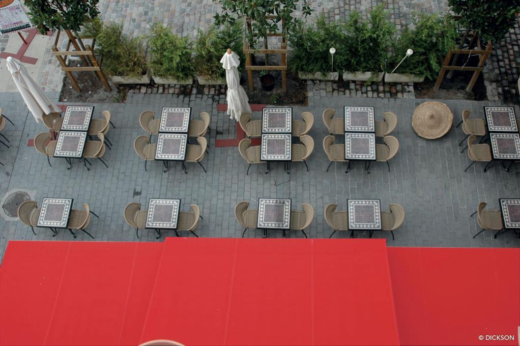 store banne terrasse storistes infos france belgique With marvelous toile pour terrasse exterieur 18 3914 rouge orchestra protection solaire dickson